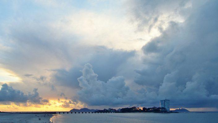 Dominant clouds over the island — Vigo, 2017