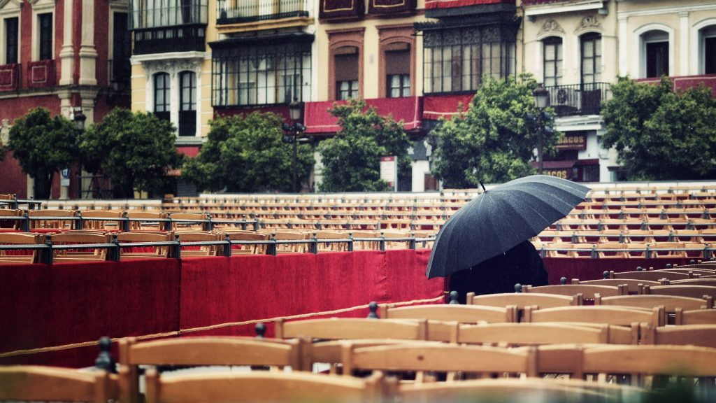 Praying for the rain to cease — Sevilla, 2018